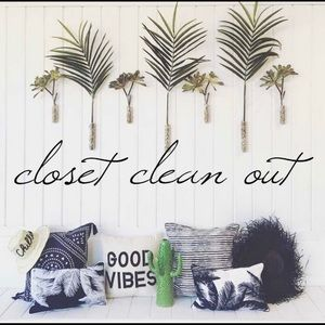 🔹CLOSET CLEAN OUT- MAKE OFFERS🔹